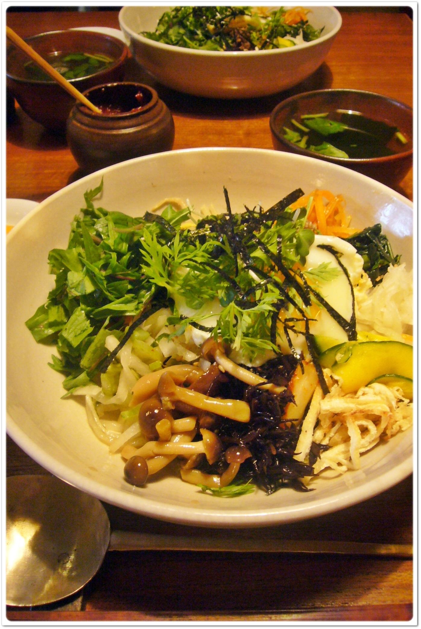 10種類の新鮮お野菜を使った「季青(RISEI)」のヘルシーピビンパ_1_1