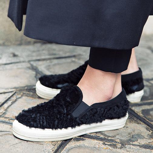 「辛口ショートブーツ」とあったか可愛い「ファーつき靴」【ファッションSNAP ミラノ・パリ・NY編】_1_4-1