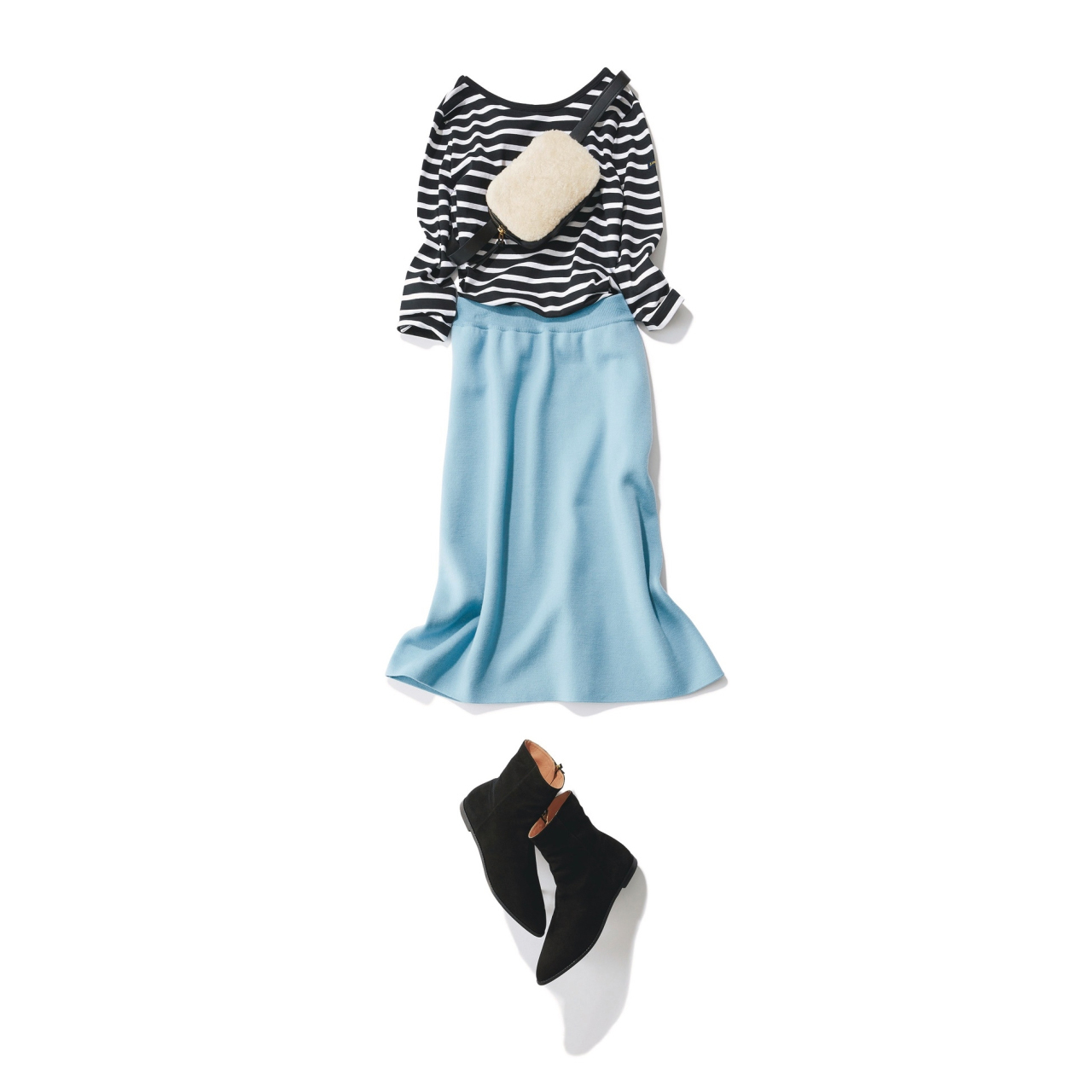 水色スカート×ボーダートップスのファッションコーデ