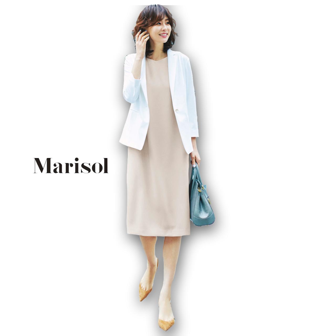 40代ファッション 白ジャケット×ベージュワンピースコーデ
