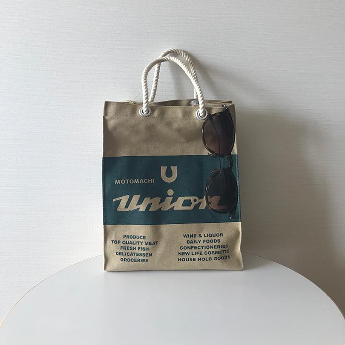 スタイリスト村山佳世子さんがお気に入りの隠れた名品は「もとまちユニオン」の小さなエコバッグ