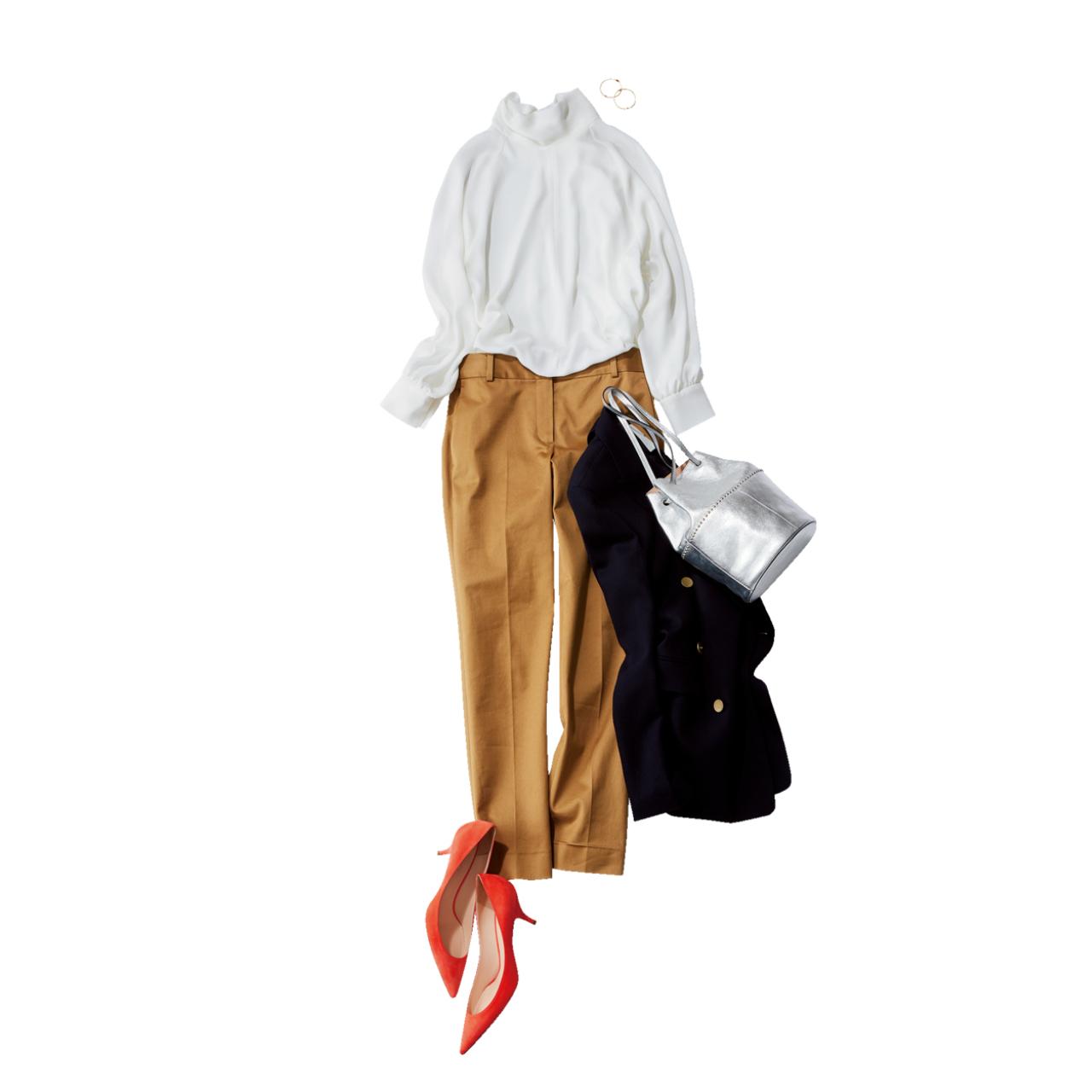 ベージュの細身パンツ×白ブラウスのファッションコーデ