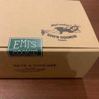 EMI'S COOKIEをお取り寄せしました。外箱はこんな感じ