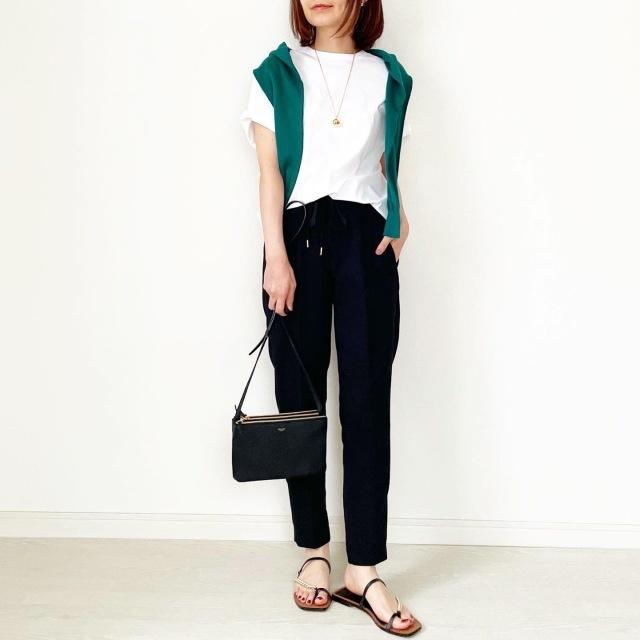 定番「白Tシャツ」の着こなしを更新! アラフォーがこなれて見えるコーデ術まとめ 40代ファッション_1_22