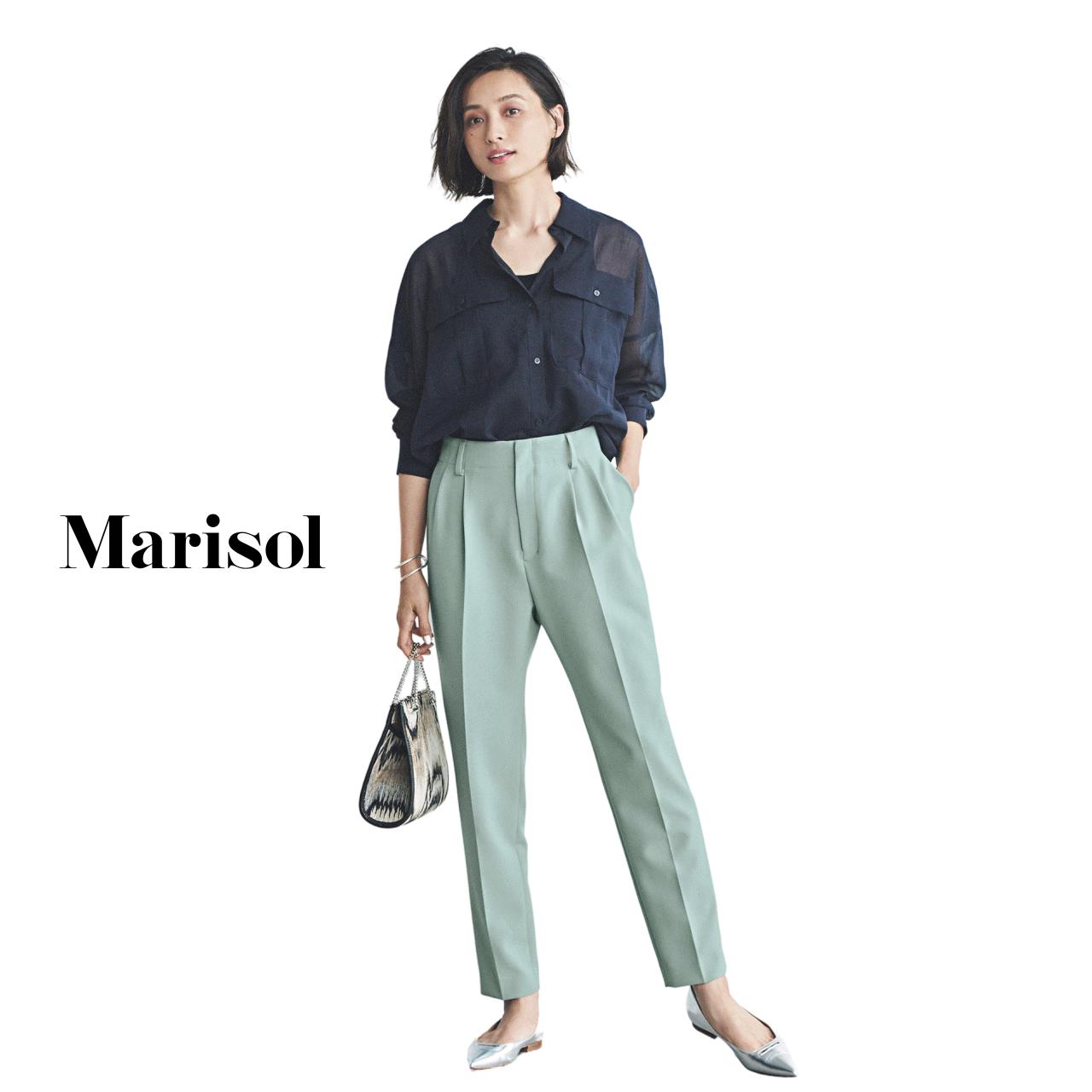 40代ファッション ネイビーブラウス×グリーンパンツコーデ