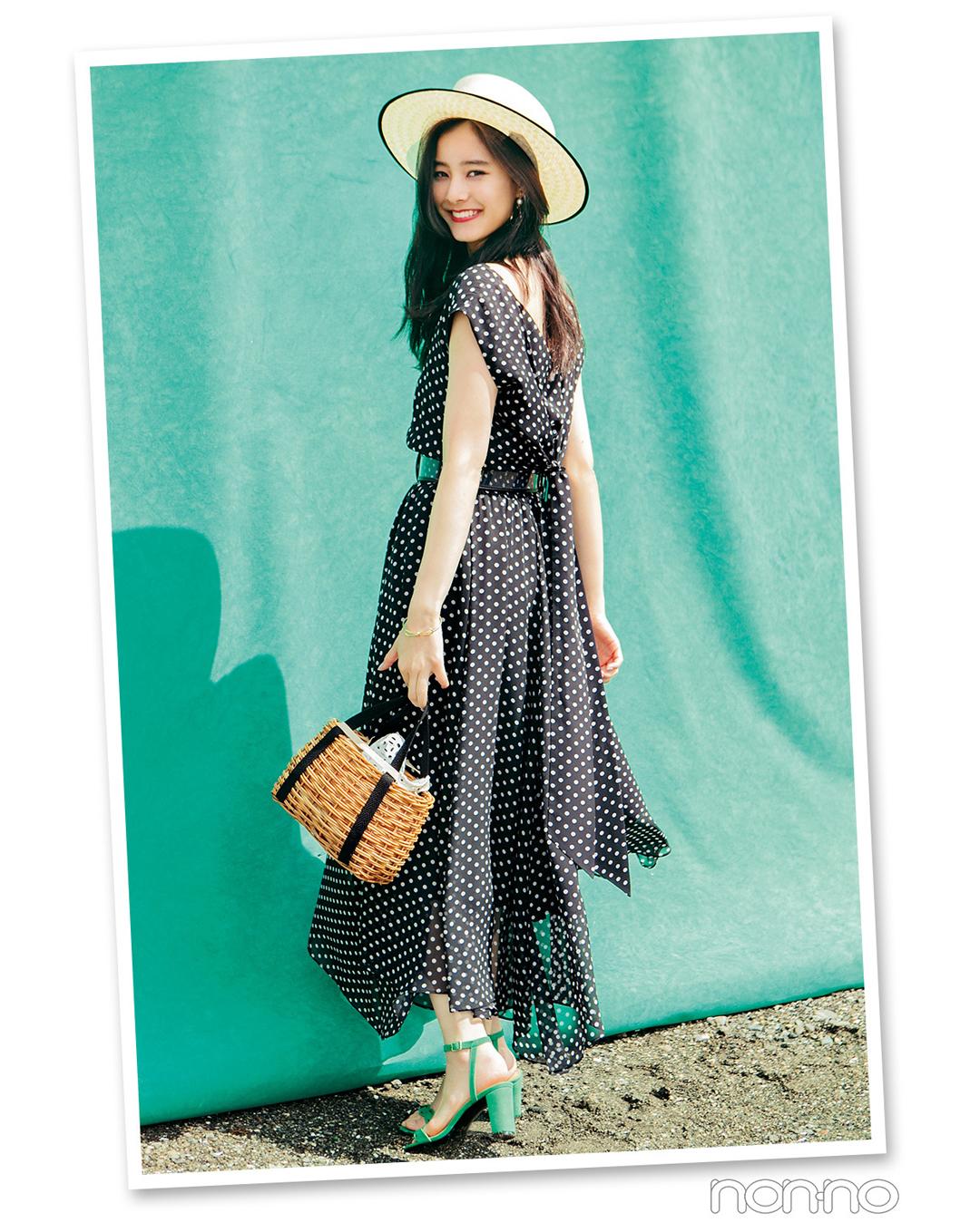 【夏のワンピースコーデ】新木優子は、パリシックなドット柄ワンピで大人色っぽコーデ♡