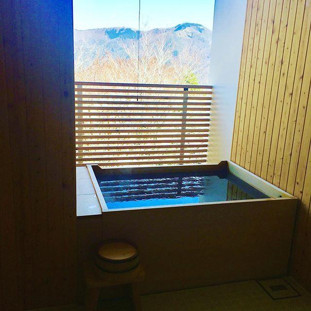 本に囲まれて泊まる、話題のホテル「箱根本箱」での撮影【エクラ6月号】_1_3
