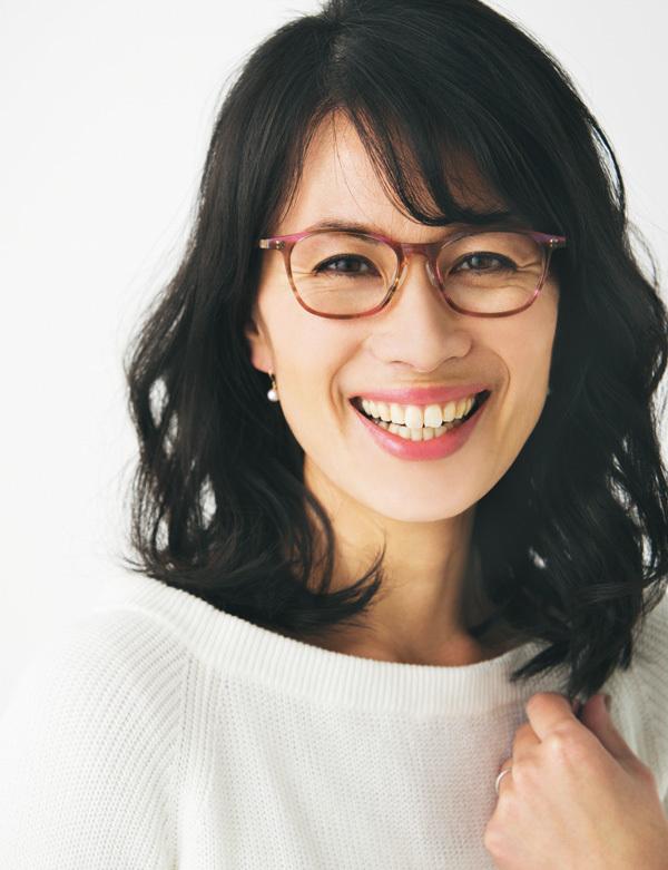 「肌映りがよく見えるメガネが欲しいんです」【運命のメガネの探し方②】_1_4-1