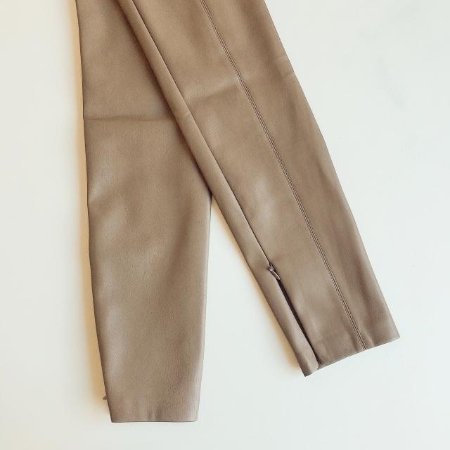 【エコレザー】のスカート&パンツで、冬コーデの鮮度がアップ! 40代ファッションまとめ_1_10