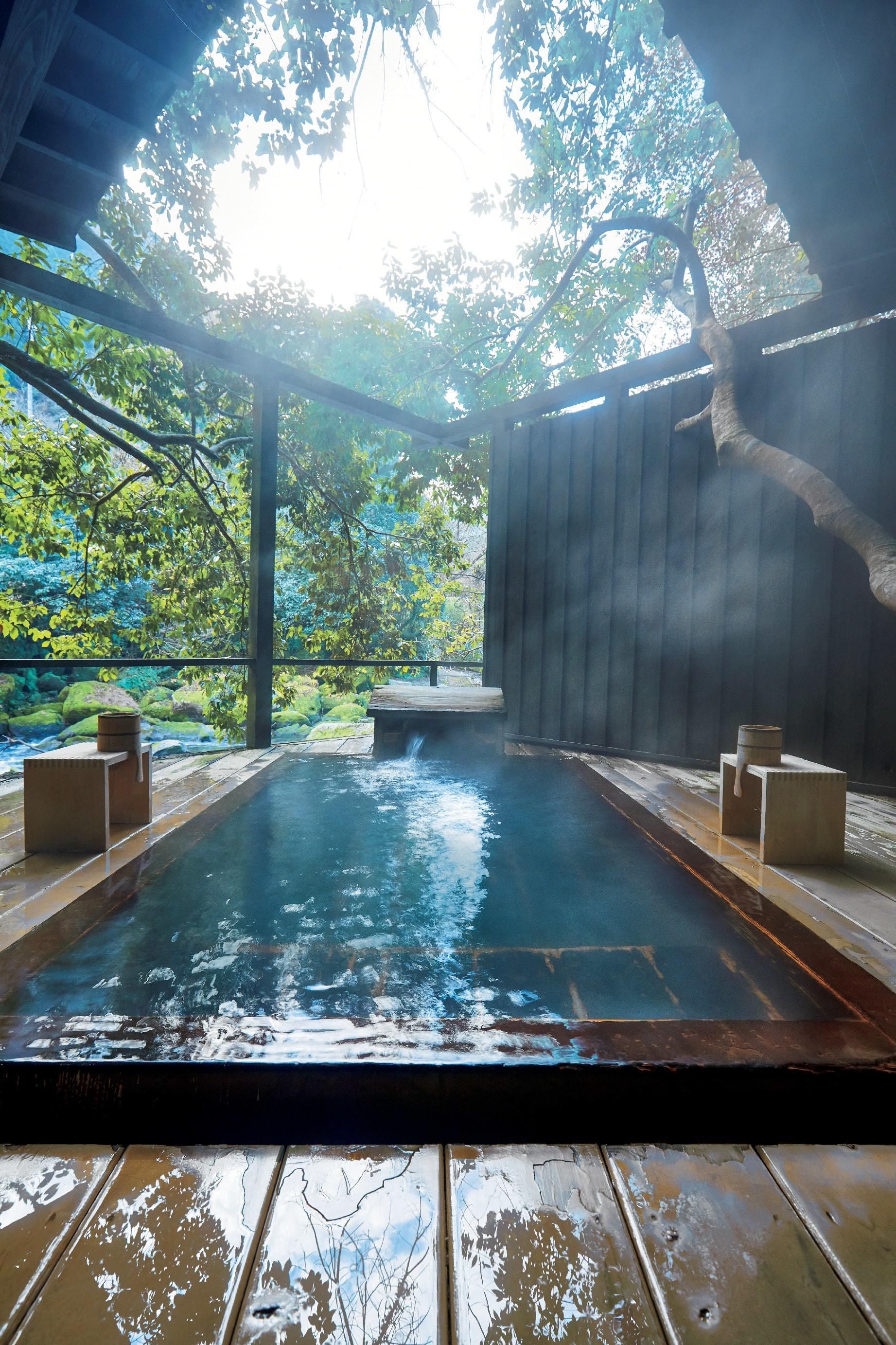 大自然の湯と美味を楽しむ 器の宝庫・鹿児島の旅スポット五選_1_1