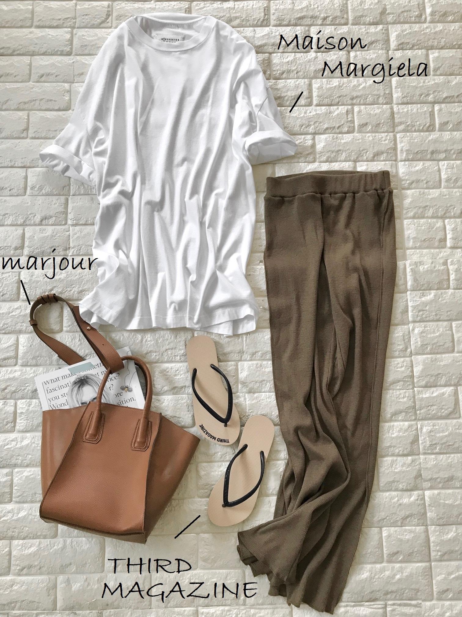 lavishgateのニットパンツと白Tシャツを合わせたコーデ