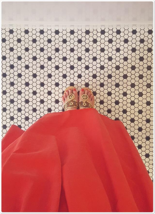 """着るだけで女っぽく・しゃれたムードを演出""""きれい色のフレアスカート""""_1_2"""
