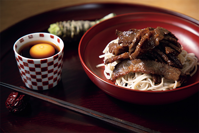 亜希さんの料理レシピ ローストビーフを使った「肉そば」