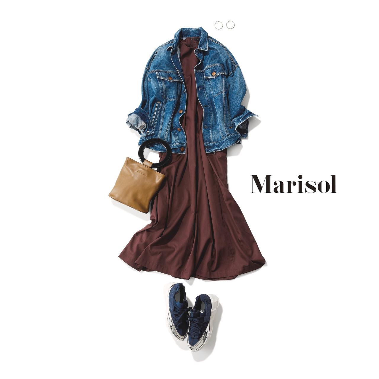 40代ファッション デニムジャケット×ブラウンワンピース×スニーカーコーデ