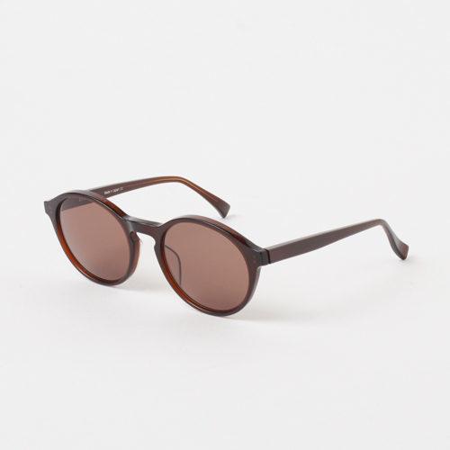 エクラ世代にふさわしい才色兼備のサングラスで、こなれた夏スタイルに_1_2