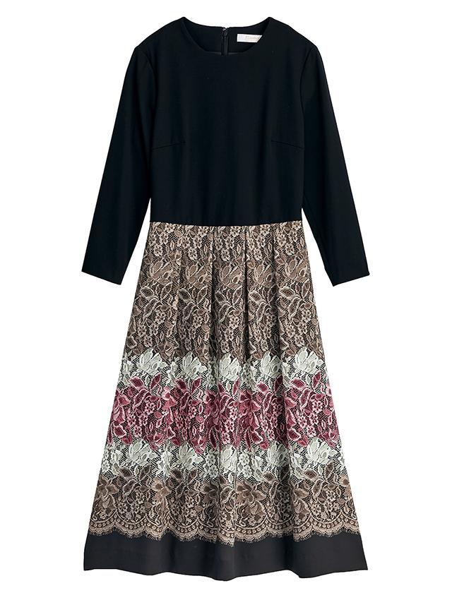 カスタマイズ2:スカートは揺れ感の出るジョーゼットで、甘めレース柄を着こなしやすく