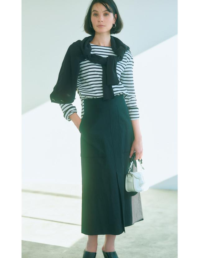 【アラフィーの黒スカートコーデ4選】クールな色×甘めディティールで装いにほんのり華やかさを!