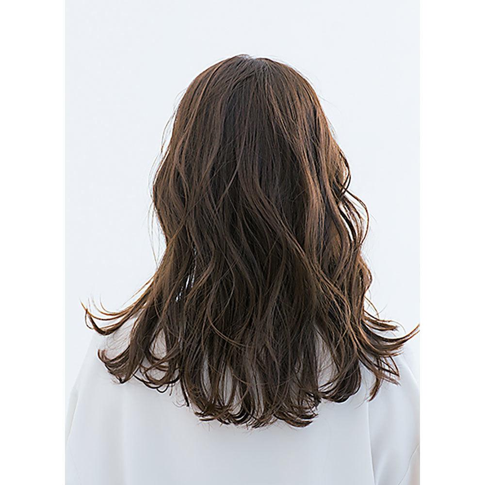 後ろから見た40代に似合う髪型 ロングヘアスタイル人気ランキング2位