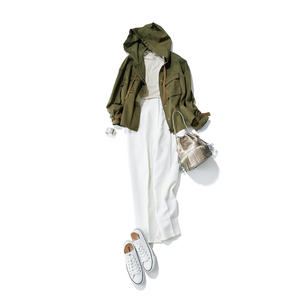 白コンバースのローカットスニーカー×ジャケット×白パンツのファッションコーデ