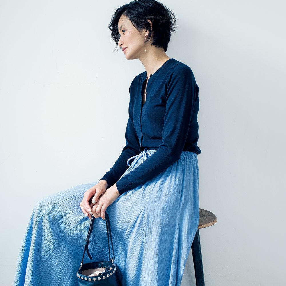 ファッション ハイゲージカーディガン×スカートコーデ