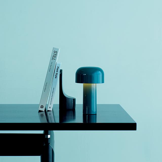ワイヤレステーブルランプ「BELLHOP」¥35,800/日本フロス(フロス)