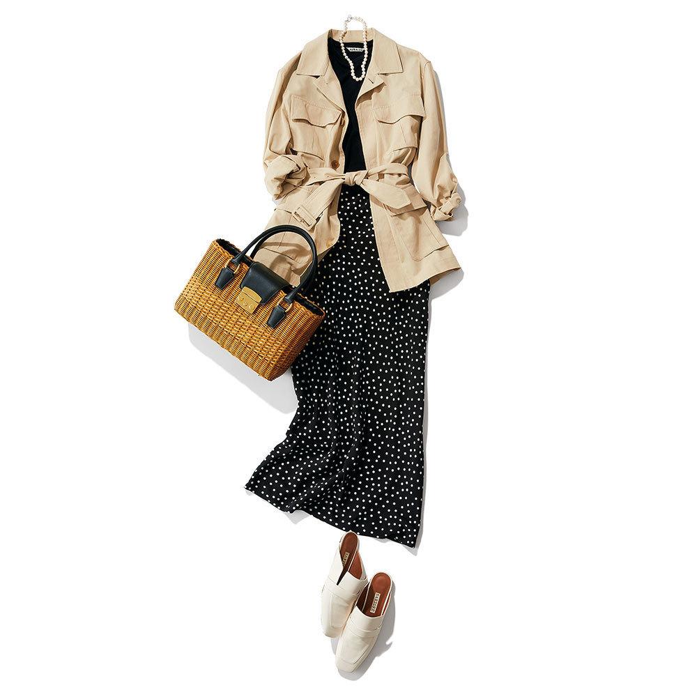 サファリジャケット×ドット柄のスカートコーデ