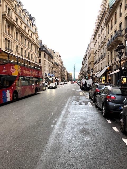 通勤路にカルティエ本店が。