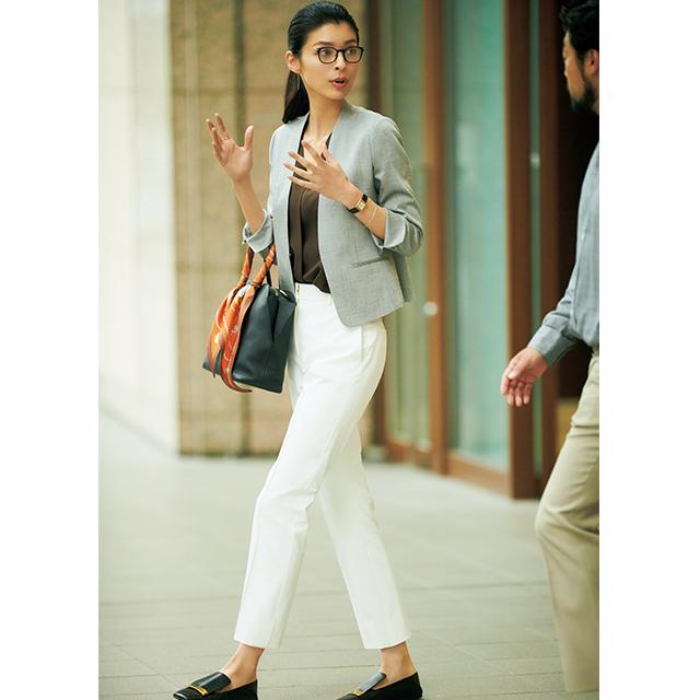 涼軽スーツ×高機能白パンツは夏の必需品!清涼感を意識した「出張コーデ」 五選_1_1-2