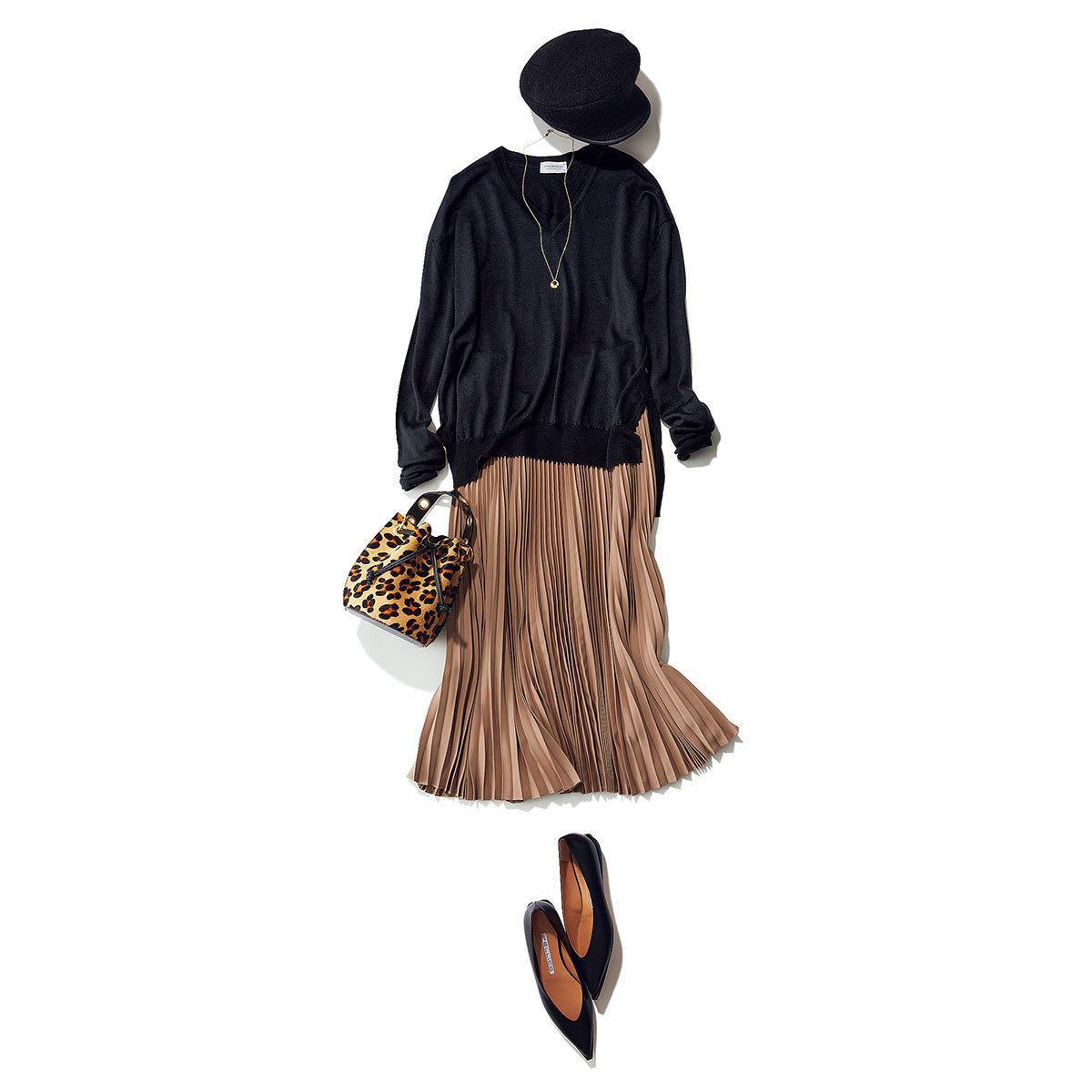 ■ベージュプリーツスカート×黒ニット
