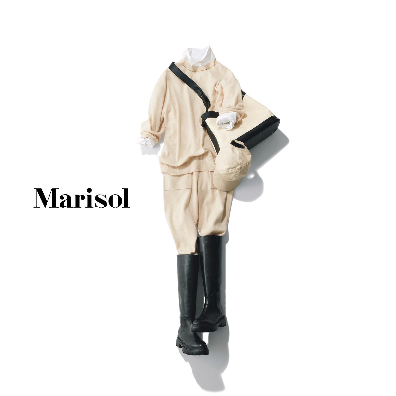40代ファッション  白シャツ×白ニットカーで×白ニットパンツ×ロングブーツコーデ