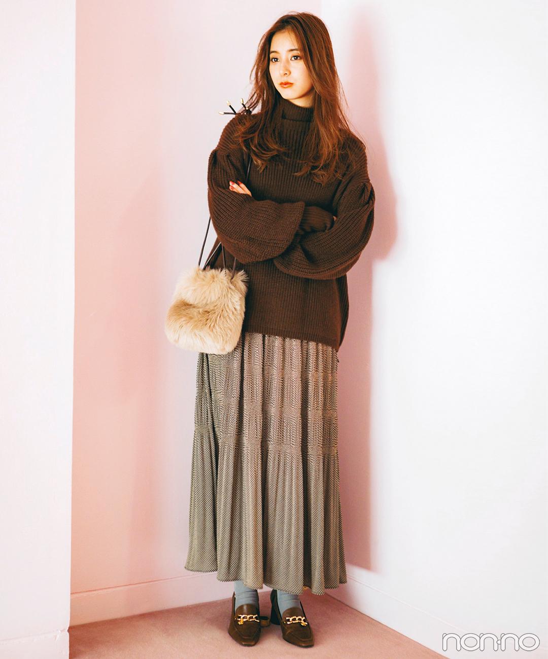 新木優子は旬色ブラウンで秋のきれいめリラクシースタイル【毎日コーデ】