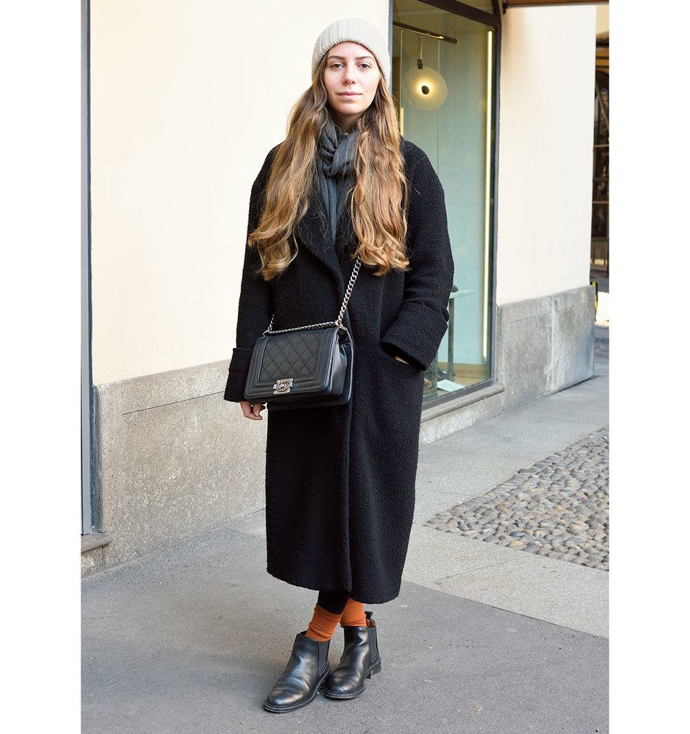 「バッグは短く斜めがけ派」が急増!【ファッションSNAP パリ・ミラノ編】_1_1-2