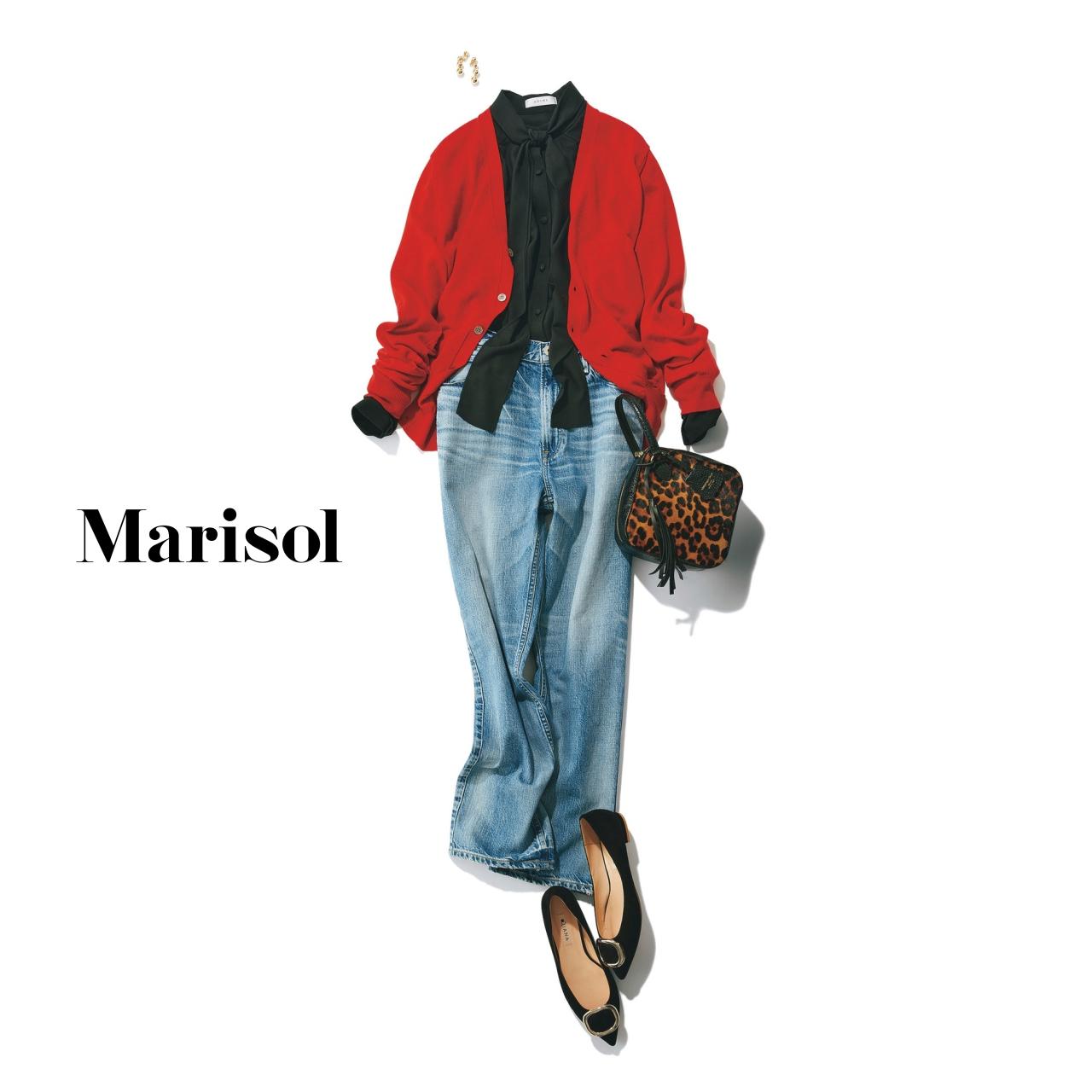 40代ファッション デニムパンツ×赤カーディガン×黒ブラウスコーデ