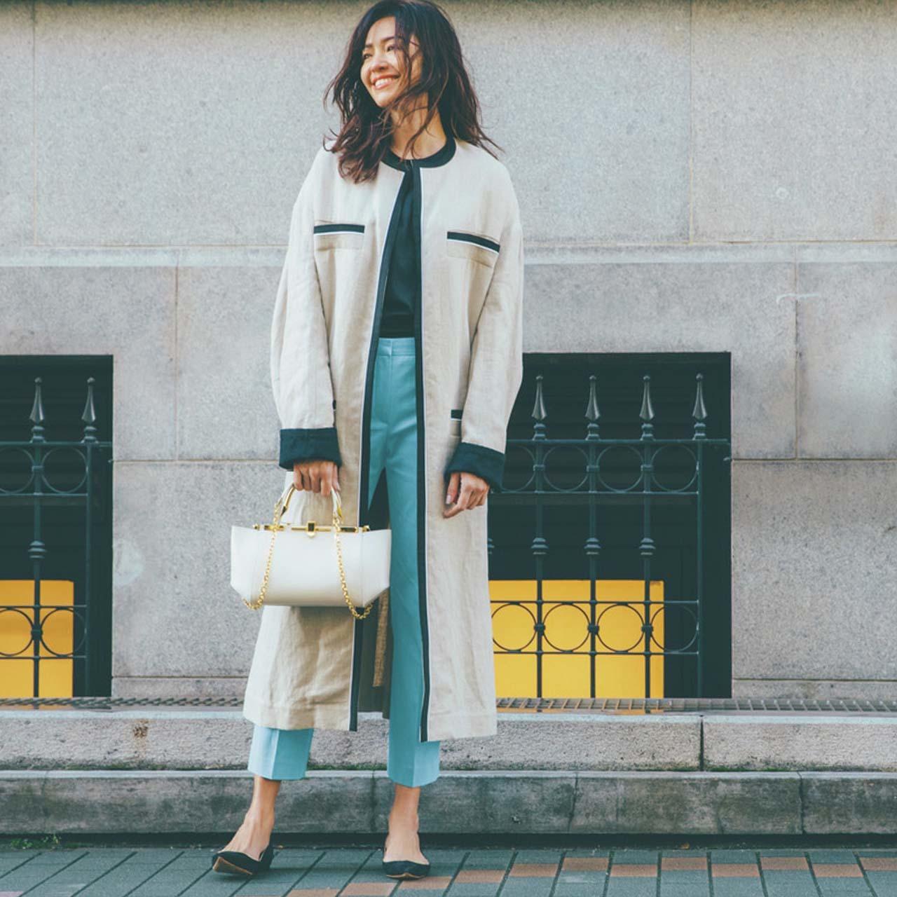 ロングコート×カラーパンツコーデを着たモデルのRINAさん