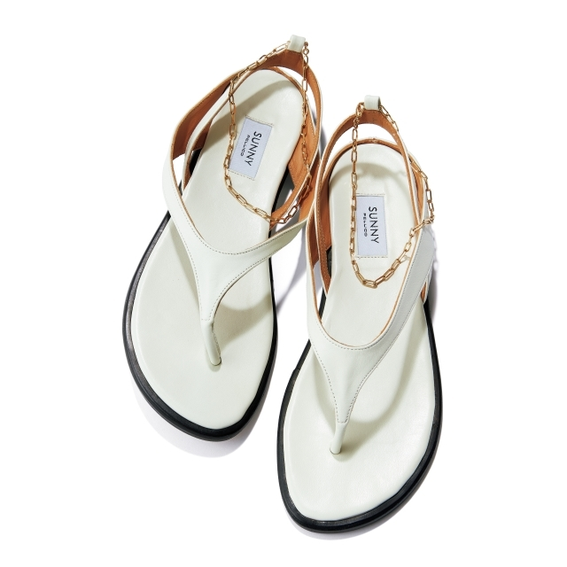 靴(H1.5)¥31,900/アマン(ペリーコ サニー)