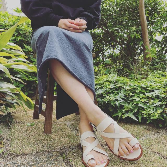 今年の夏は、足もとに白を選ぶぜいたくを。_1_2