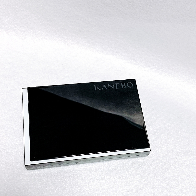 KANEBOのメルティフィール ウェア