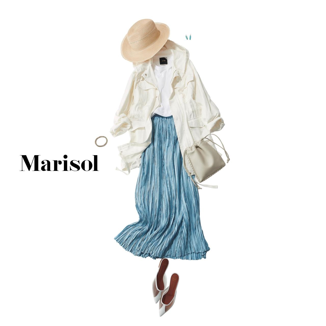 40代ファッション  白ブルゾン×ブループリーツスカートコーデ