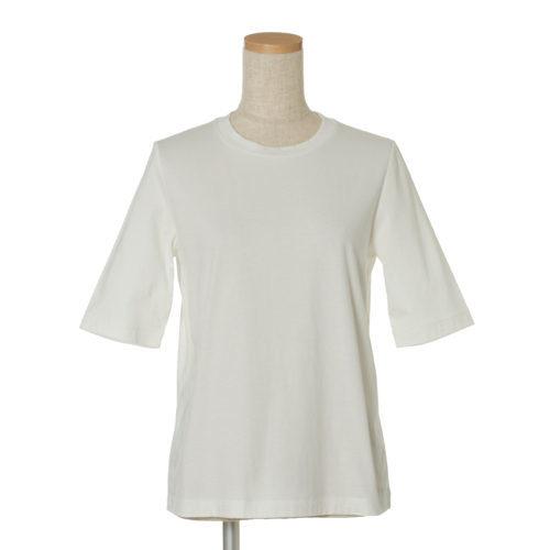 何枚あっても足りない!絶対使える夏の万能白Tシャツ