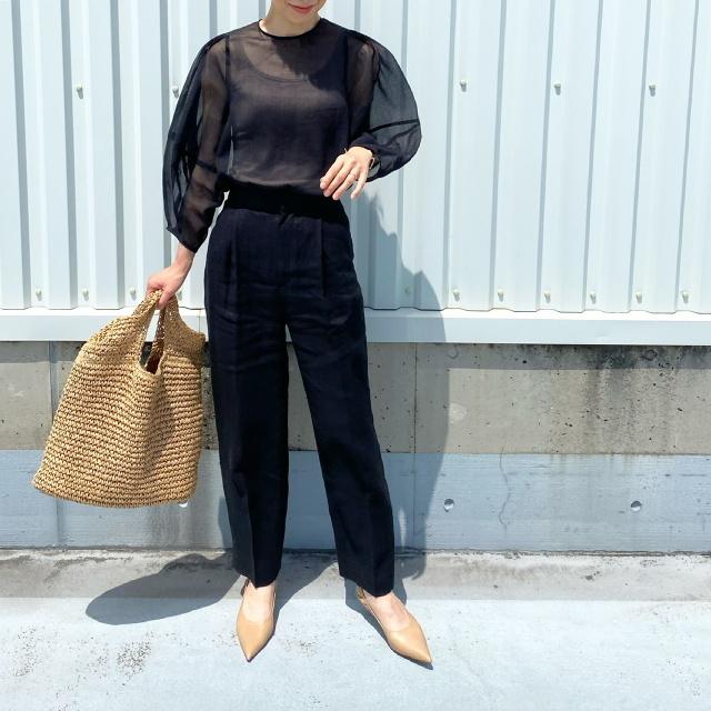 定番の黒パンツを極める!今っぽく、おしゃれで、美脚見えする黒パンツコーデまとめ|40代ファッション_1_29