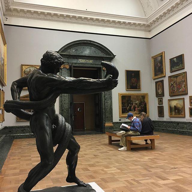 ロンドンの美術館の、戦える人物。_1_1-2