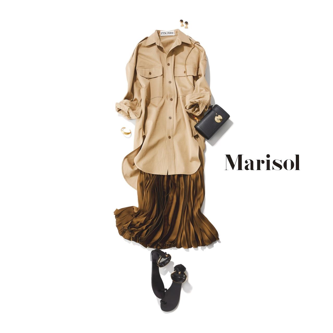 40代ファッション ベージュロングシャツ×ブラウンプリーツスカートコーデ