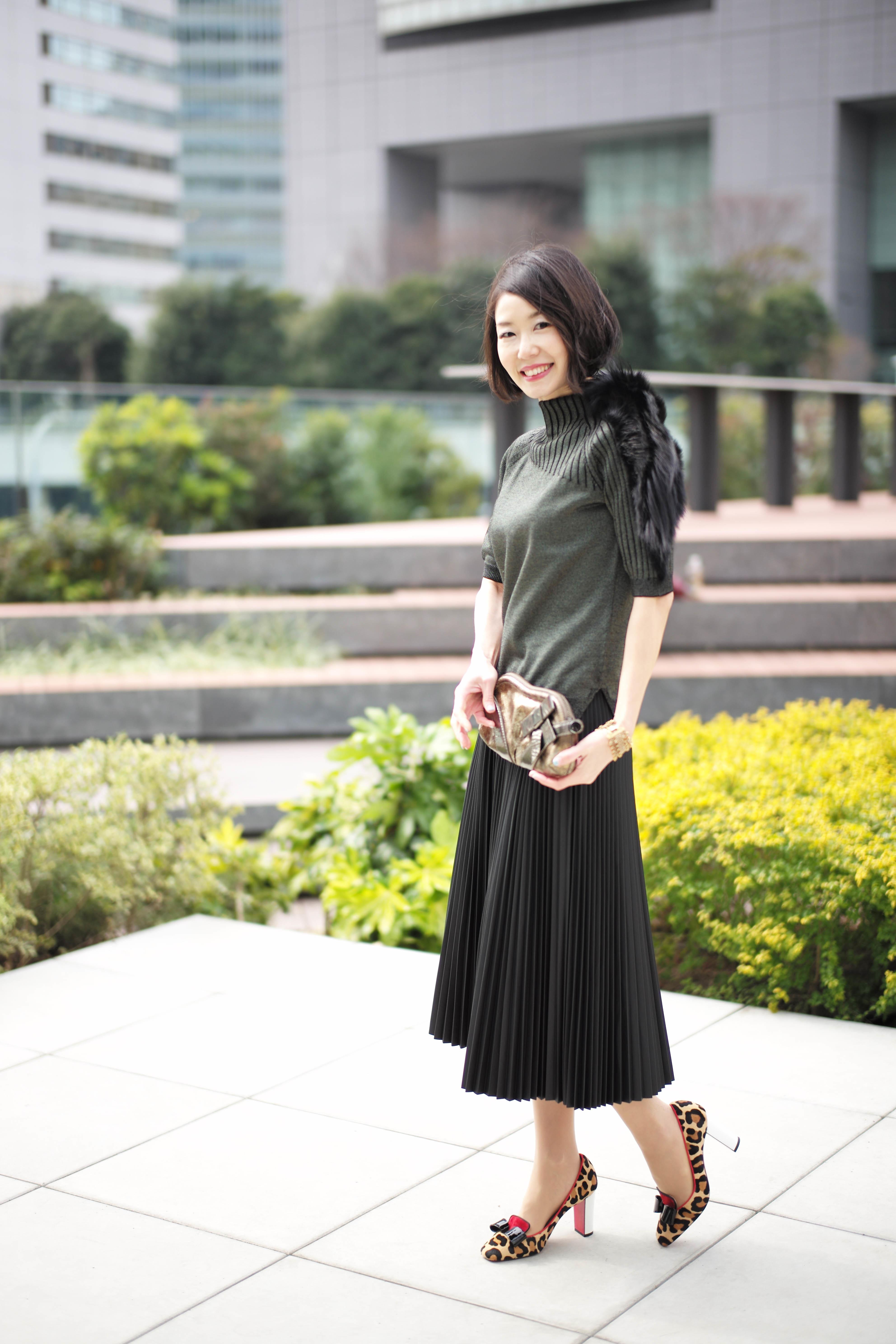 「女っぷり足し」の「ツヤ」☆レザープリーツスカート_1_2