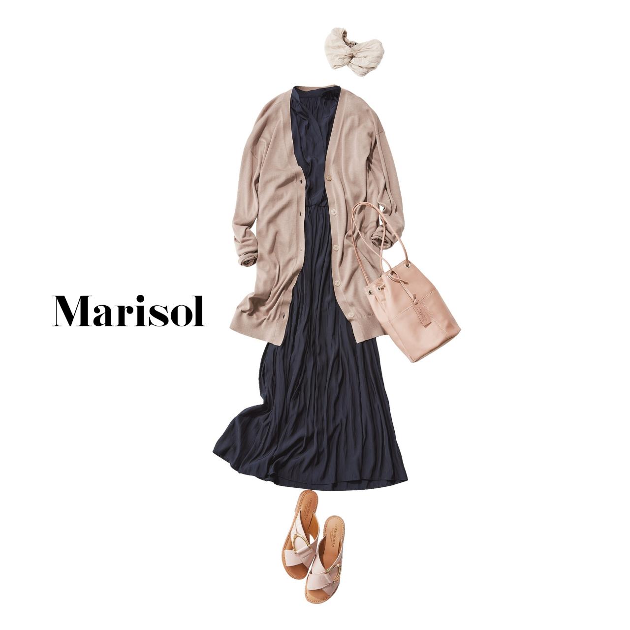 40代ファッション シャーリングワンピース×カーディガンコーデ
