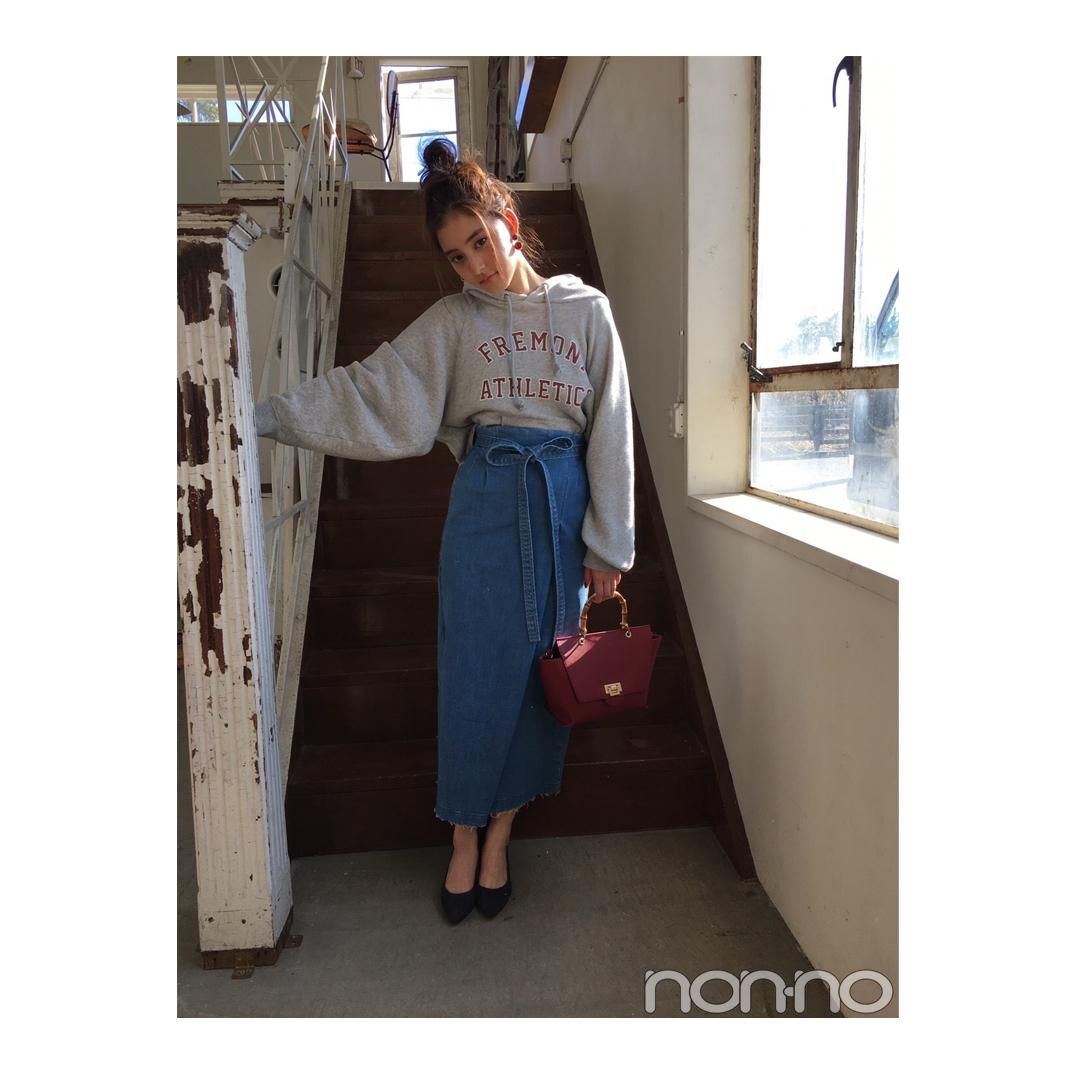 新木優子はロングのデニスカでパーカを女っぽく【毎日コーデ】_1_1