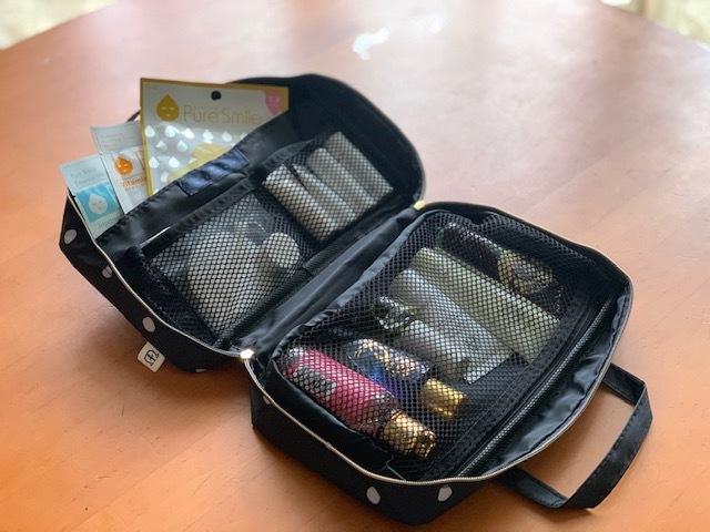 マリソル6月号の付録マルティニーク「女っぷりトラベルコスメminiバッグ」の使い方実例1