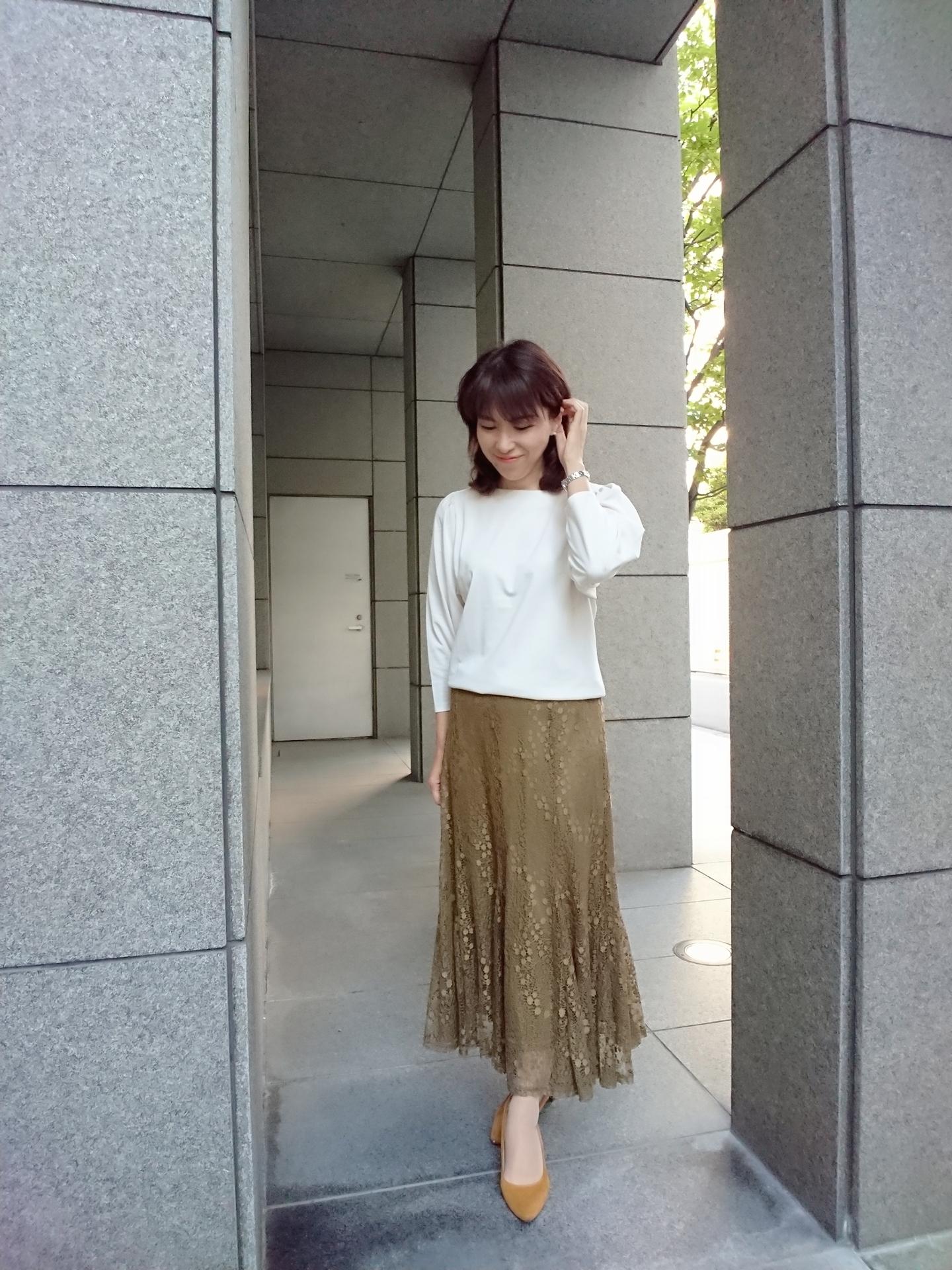 今年流行りそうなくすみ色の秋スカート eclat世代にはロング丈がやはりしっくりします