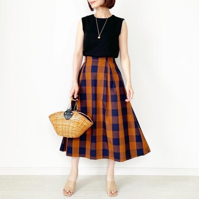 夏から秋まで!長く着られるスカート【tomomiyuコーデ】_1_5