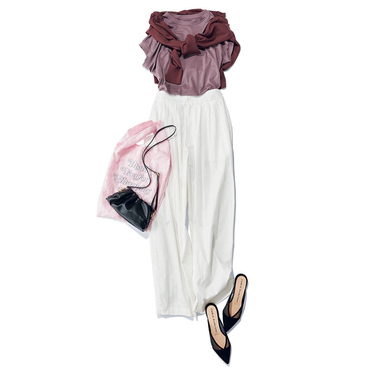 ■カオスのモーブピンクTシャツ × タック入りの白パンツ