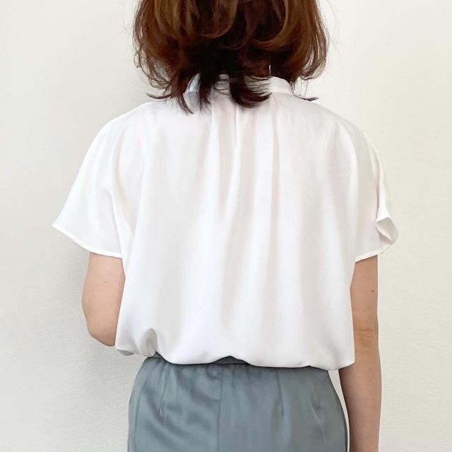 GU エアリーバンドカラーシャツ ホワイト バックスタイル